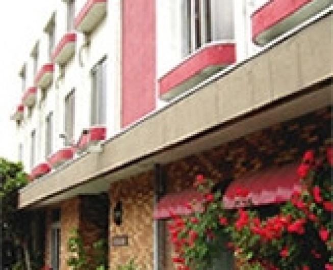 ビジネスホテルエンペラー 2